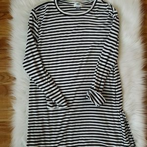 Old Navy B/W Striped Tunic Top